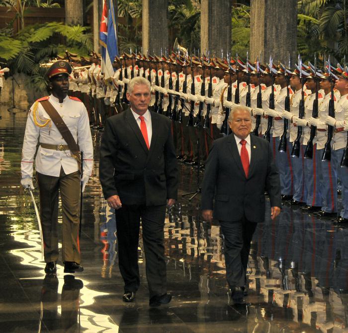 Presidente cubano recibió a su homólogo de El Salvador (+ Fotos)