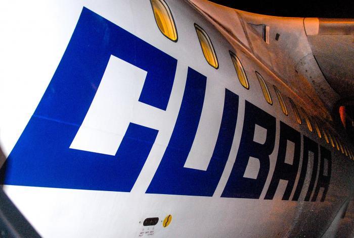 Cubana de aviación; vuelos nacionales; Holguín-Habana