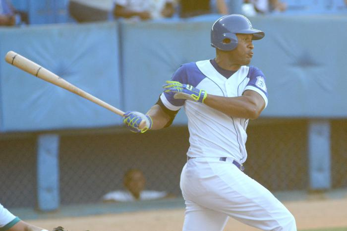 Beisbol-Serie 57 IND vs Isla Alexander Malleta