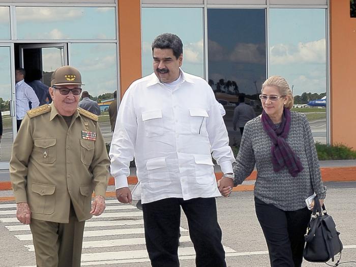 Raúl Castro y Nicolás Maduro se entrevistan en La Habana