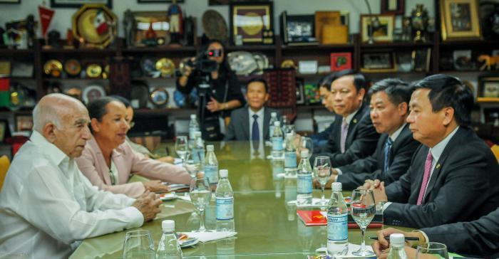 Recibe Machado Ventura a funcionarios de los partidos comunistas de Vietnam y España