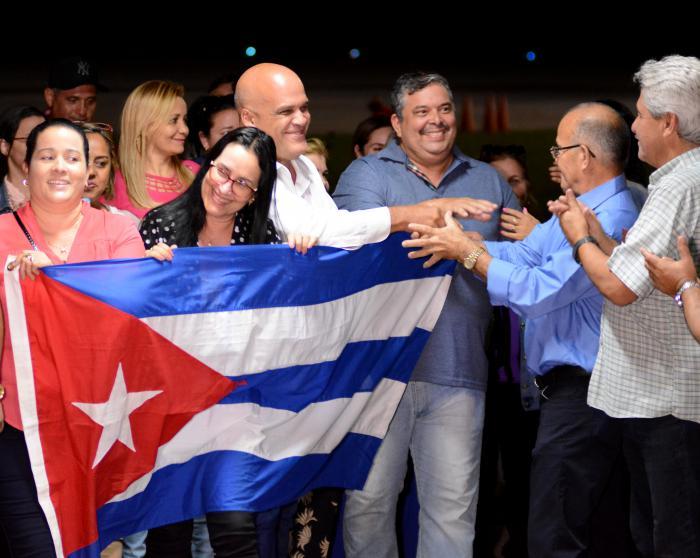 Les premiers coopérants de la santé sont arrivés à Cuba après leur mission au Brésil
