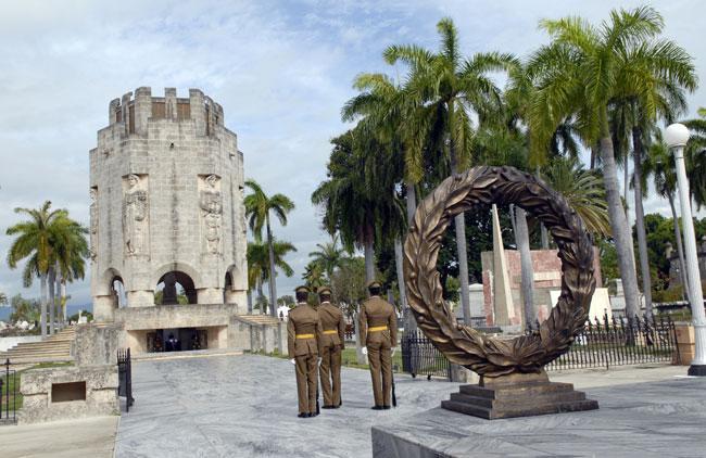 santiago-de-cuba-mausoleo-josé-martí
