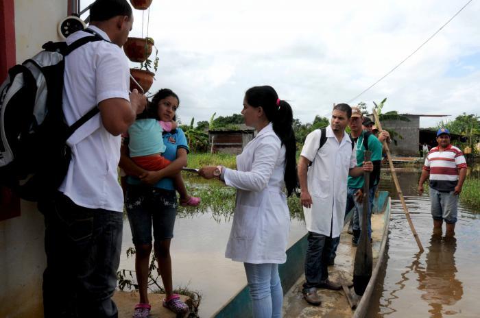 Los médicos cubanos en Venezuela forman parte de los más de 22 000 colaboradores que votarán desde allí por la nueva Carta Magna.