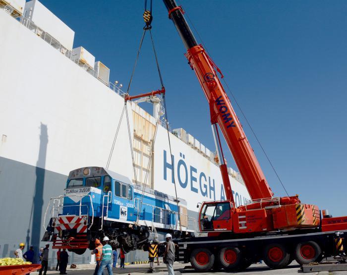 La función principal de las locomotoras está destinada a la transportación de carga.
