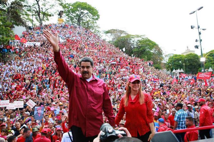 Maduro iniciará el 10 de enero su segundo mandato, tras una rotunda y democrática victoria.