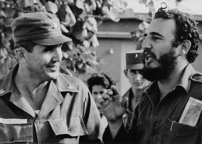 Fidel y Jose R. Fernandez, director de la Escuela de Responsables de Milicias. Foto:Liborio Noval, 25 de noviembre de 1960