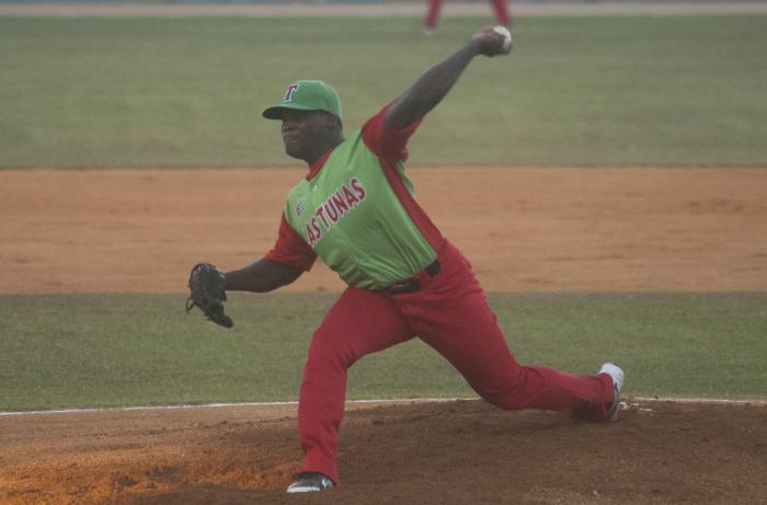Yoanni Yera, pitcher zurdo, refuerzo de Las Tunas en la postemporada de la 58 Serie Nacional