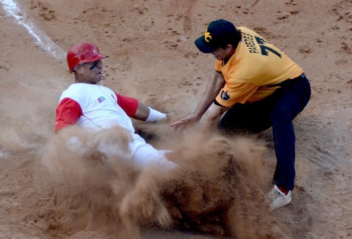 Beisbol-Play Off Final Tunas vs VCL las tunas serie 58 jugada en Home Jorge Aloma