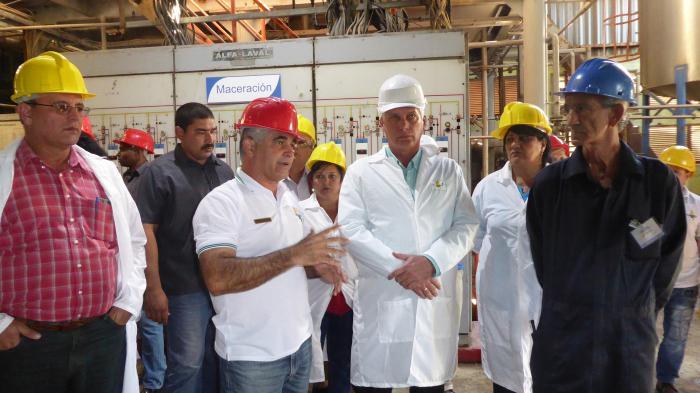 Subraya Díaz-Canel importancia de producciones que puedan sustituir importaciones