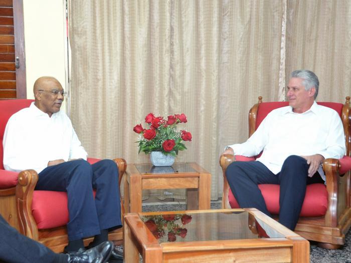 Miguel Díaz-Canel Bermúdez, visitó en horas de la tarde de este viernes al Excelentísimo Señor Brigadier David Arthur Granger