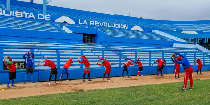 El equipo de los Leñadores de las Tunas se prepara para participar en la Serie del Caribe en Venezuela
