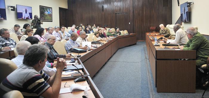 Consejo de Ministros evalúa recuperación de La Habana