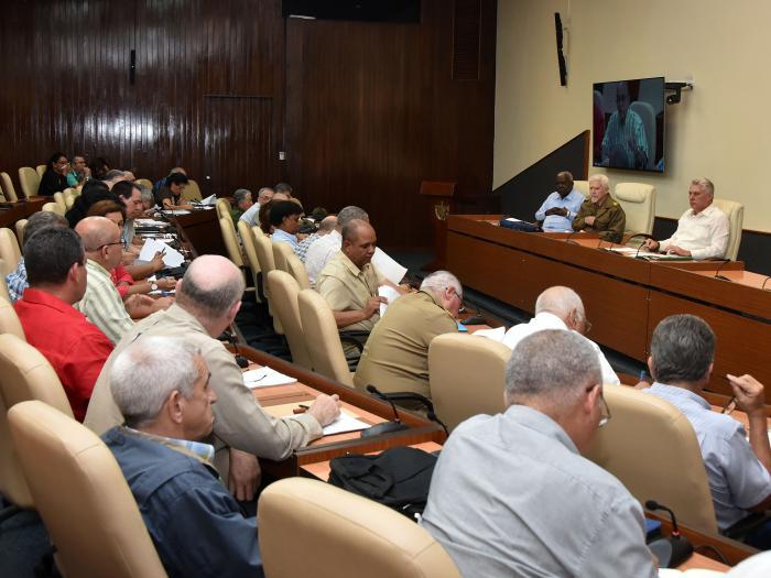 Insta Presidente cubano a realizar trabajo más preciso en recuperación de La Habana