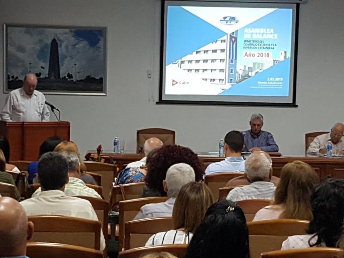 Díaz-Canel destaca papel de exportaciones en el desarrollo económico del país