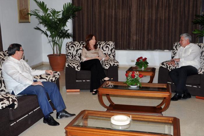 Recibió Presidente cubano a senadora argentina Cristina Fernández de Kirchner