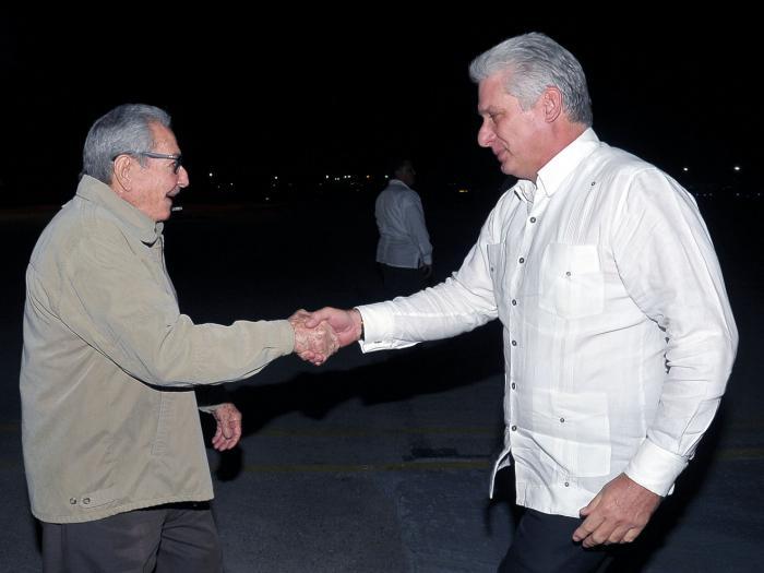 Recibe Raúl Castro a Díaz-Canel, quien regresó de Nicaragua