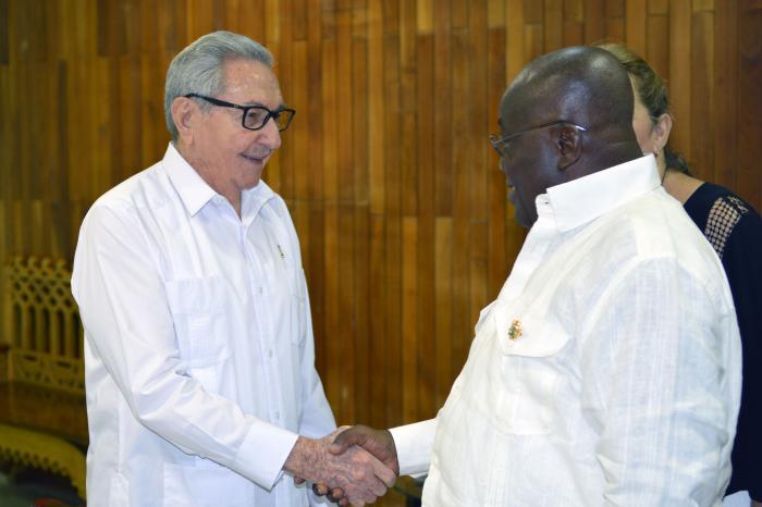 Raúl Castro recibe al Presidente de Ghana y al Secretario General del FRELIMO