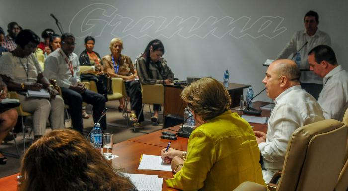 comisiones Permanentes de Trabajo, de la Asamblea Nacional del Poder Popular (ANPP), en el palacio de Convenciones de la Habana, El vicepresidente de los Consejos de Estado y de Ministros, Roberto Morales Ojeda, José Ángel Portal Miranda. Ministro de Salud Pública