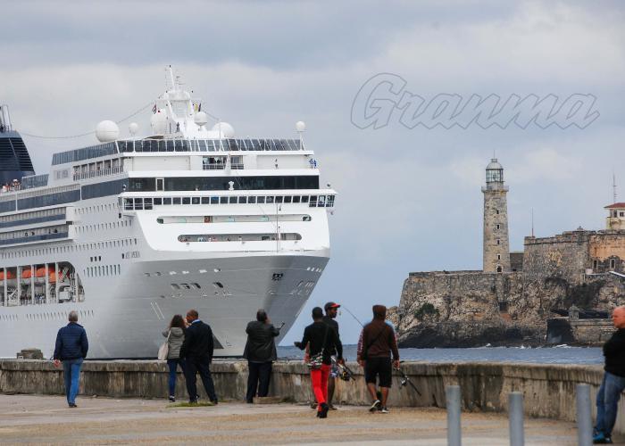 Los estadounidenses quieren conocer Cuba, a pesar de las prohibiciones de viaje y otras que les impone su gobierno