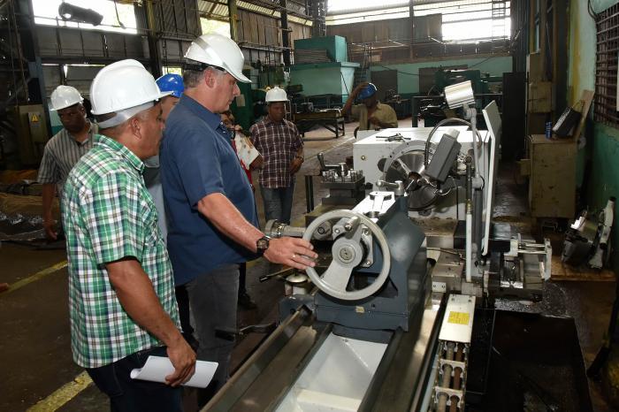 Visita Gubernamental comprueba en Villa Clara desarrollo y aplicaciones de la Robótica