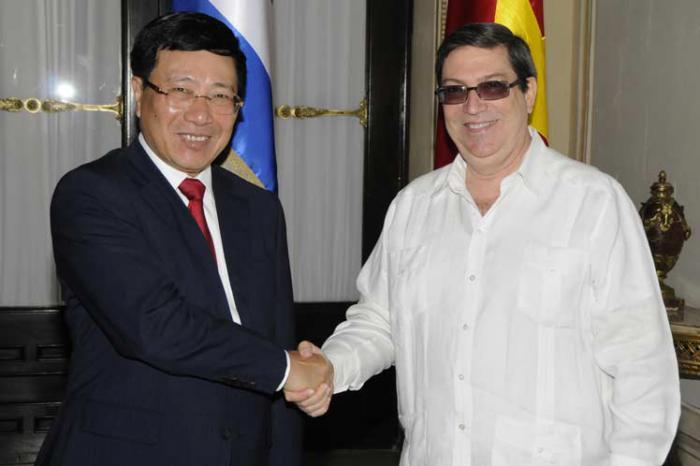 Recibe Canciller cubano a Viceprimer Ministro de Vietnam