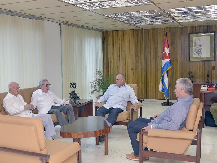 Raúl Castro reitera firme apoyo de Cuba al pueblo y Gobierno venezolanos