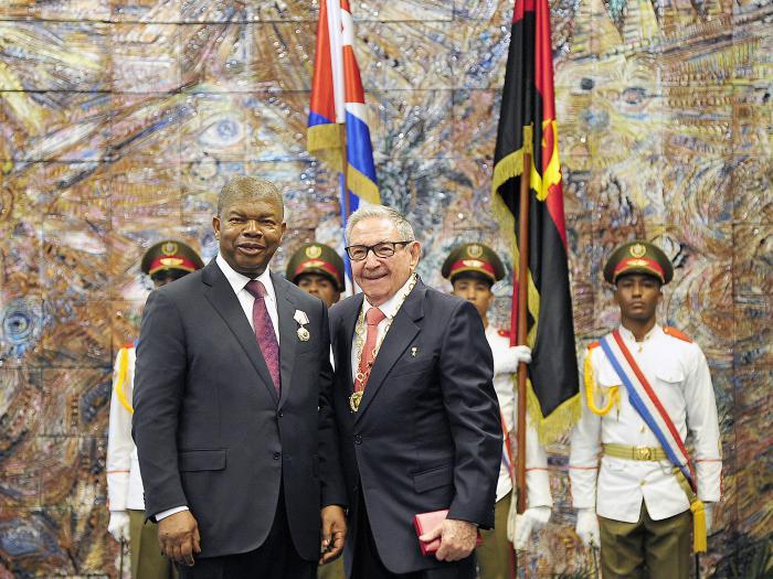 Presidente de Angola en Cuba