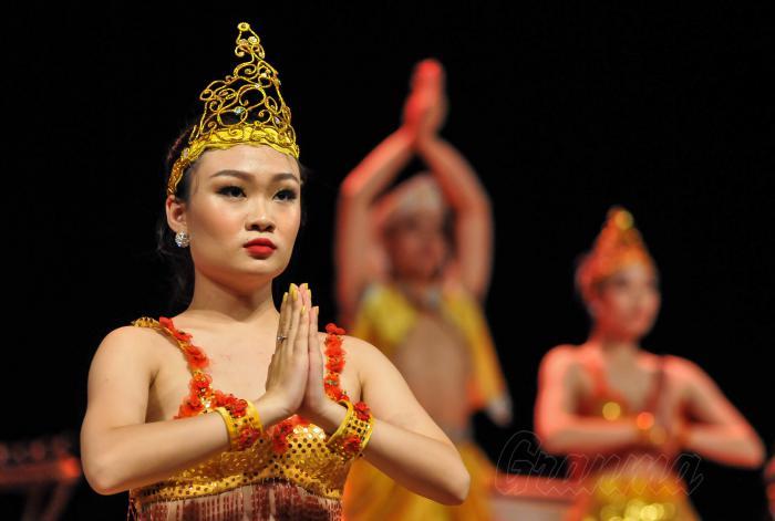 Gala Cultural por los Días de la cultura de Viet Nam en Cuba, Los colores de la cultura Vietnamita, en la sala Covarrubias del Teatro Nacional, presidieron Dang Thi Ngoc Thinh, vicepresidenta de Vietnam y Alpidio Alonso, ministro de cultura de Cuba