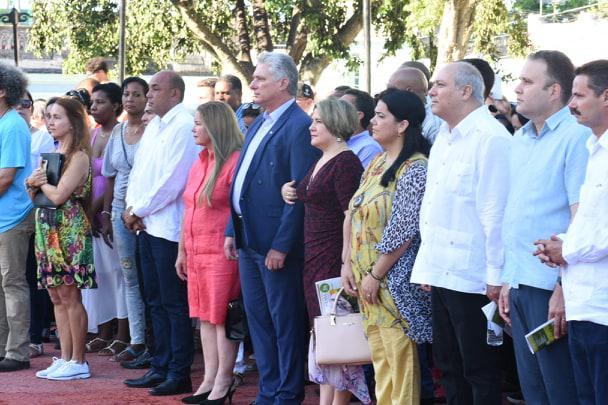 El mandatario cubano asistió a la celebración por el aniversario 330 de la fundación de la ciudad de Santa Clara