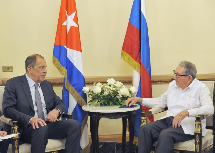 El General de Ejército Raúl Castro Ruz, Primer Secretario del Comité Central del Partido Comunista de Cuba, conversó con el ministro de Asuntos Exteriores de la Federación de Rusia, Serguéi Lavrov.
