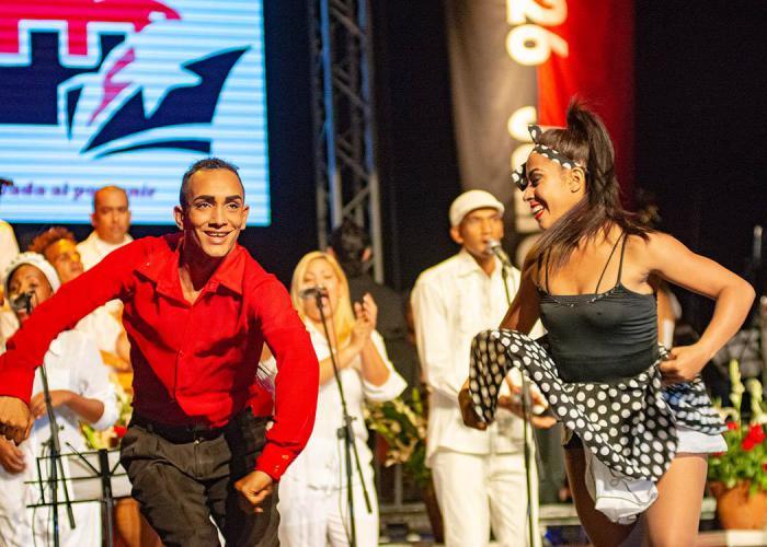 Gala artística tributa al Día de la Rebeldía Nacional en Cuba