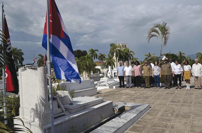 Raul paid tribute to martyrs of the Fatherland