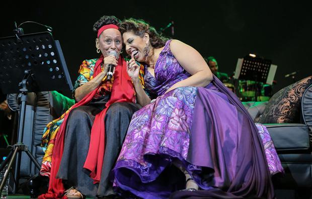 Diva cubana Omara Portuondo conquista al público en Festival Cervantino