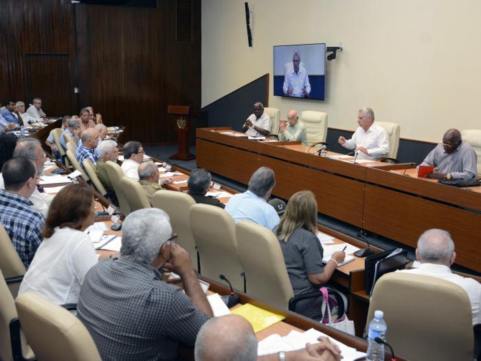 Cuba: Consejo de Ministros analiza medidas para contribuir al ahorro energético