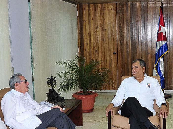 Recibió Raúl a Rafael Correa