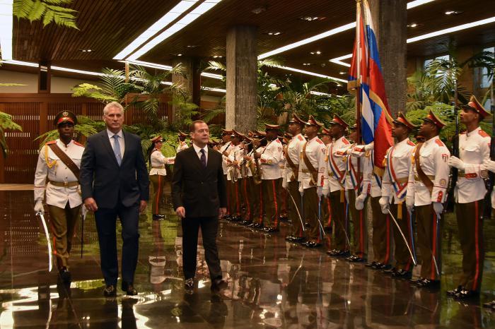 Recibió Díaz-Canel al primer ministro de la Federación de Rusia, Dmitri Medvedev (+ Fotos)