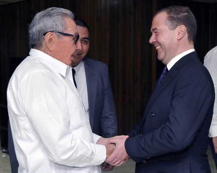 Raul Castro and Dimitri Medvedev hold talks