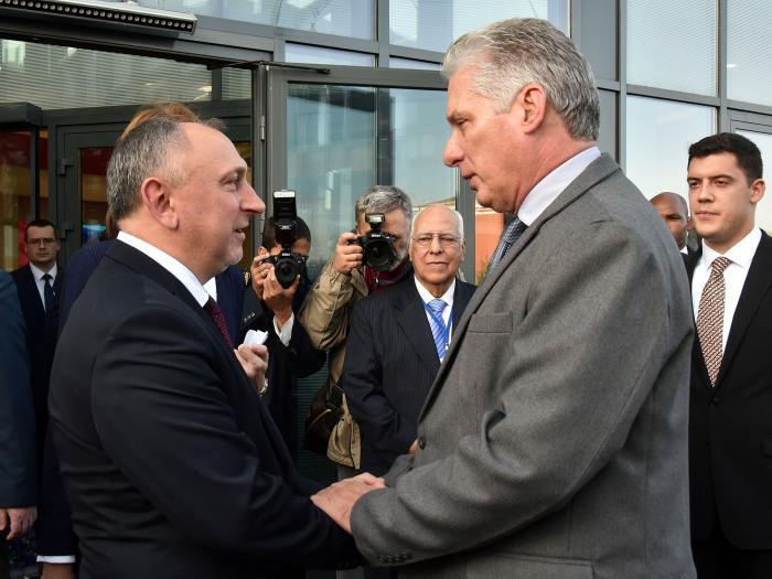 Presidente cubano llega a Belarús en visita oficial
