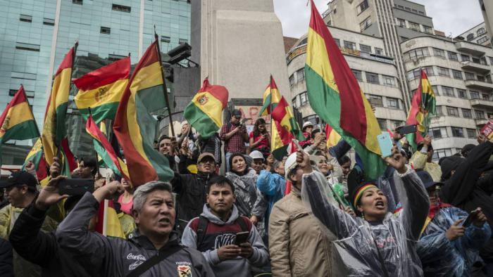 El pueblo boliviano defiende en las calles su derecho a que se respete la soberanía del país.