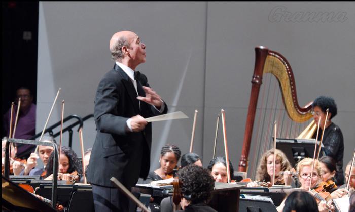 Guido López-Gavilán, entre los compositores que honraron a la Orquesta Sinfónica Nacional.                        Foto: archivo de granma
