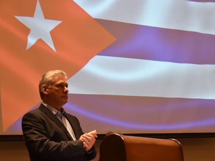 encuentro con cubanos residentes