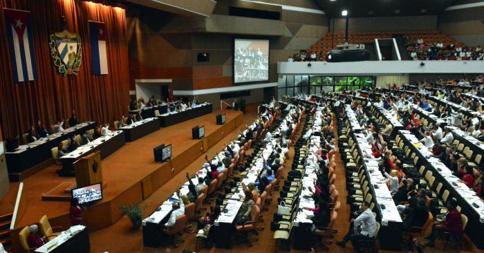 Participan Raúl y Díaz-Canel en periodo ordinario de sesiones del Parlamento cubano (+Transmisión en vivo)