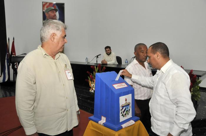 Asamblea Municipal del Poder Popular de Marianao, Eleccion de Gobernador y Vicegobenador Provincial.