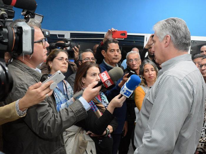 Díaz-Canel: «Tengan por seguro que no nos vamos a rendir»