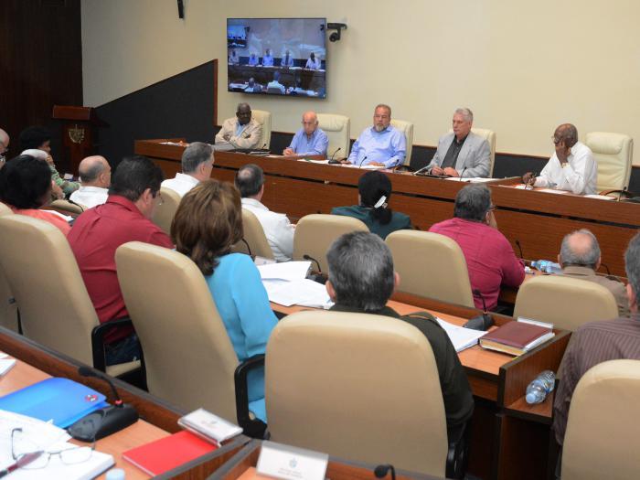Analizó Consejo de Ministros importantes temas socioeconómicos