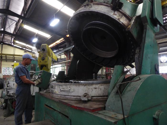 Sustituye importaciones planta recapadora de Camagüey