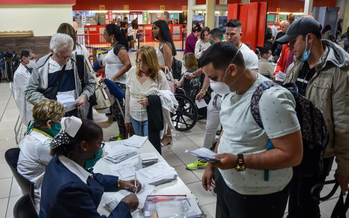 Discreta recuperación del arribo de viajeros a Cuba