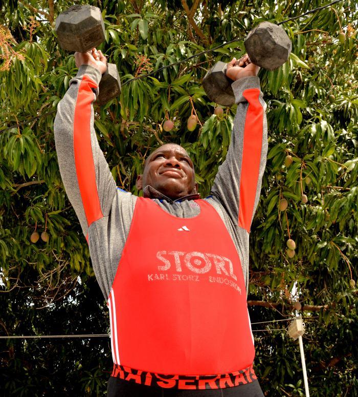 El cubano Mijaín López entrena en casa por su quinto título olímpico