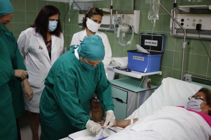 Cuba avanza en tratamiento con células madres a pacientes con COVID-19